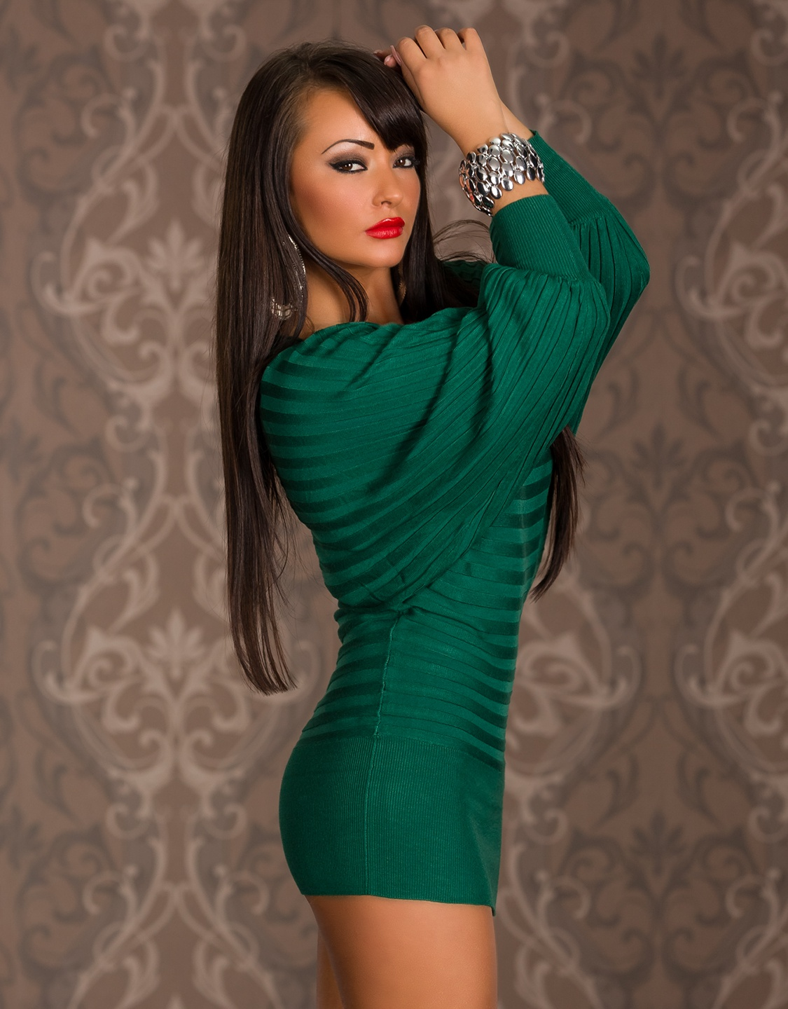 Green Short Sweater Dress With Wide Sleeves