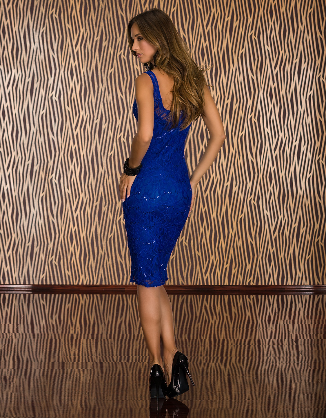 Blue Lace Sleeveless Midi Dress With Sequins