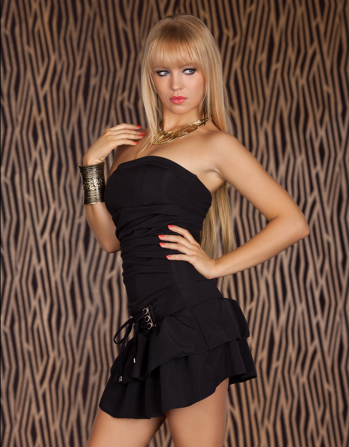 Black Strapless Lacing Dress With Flounces